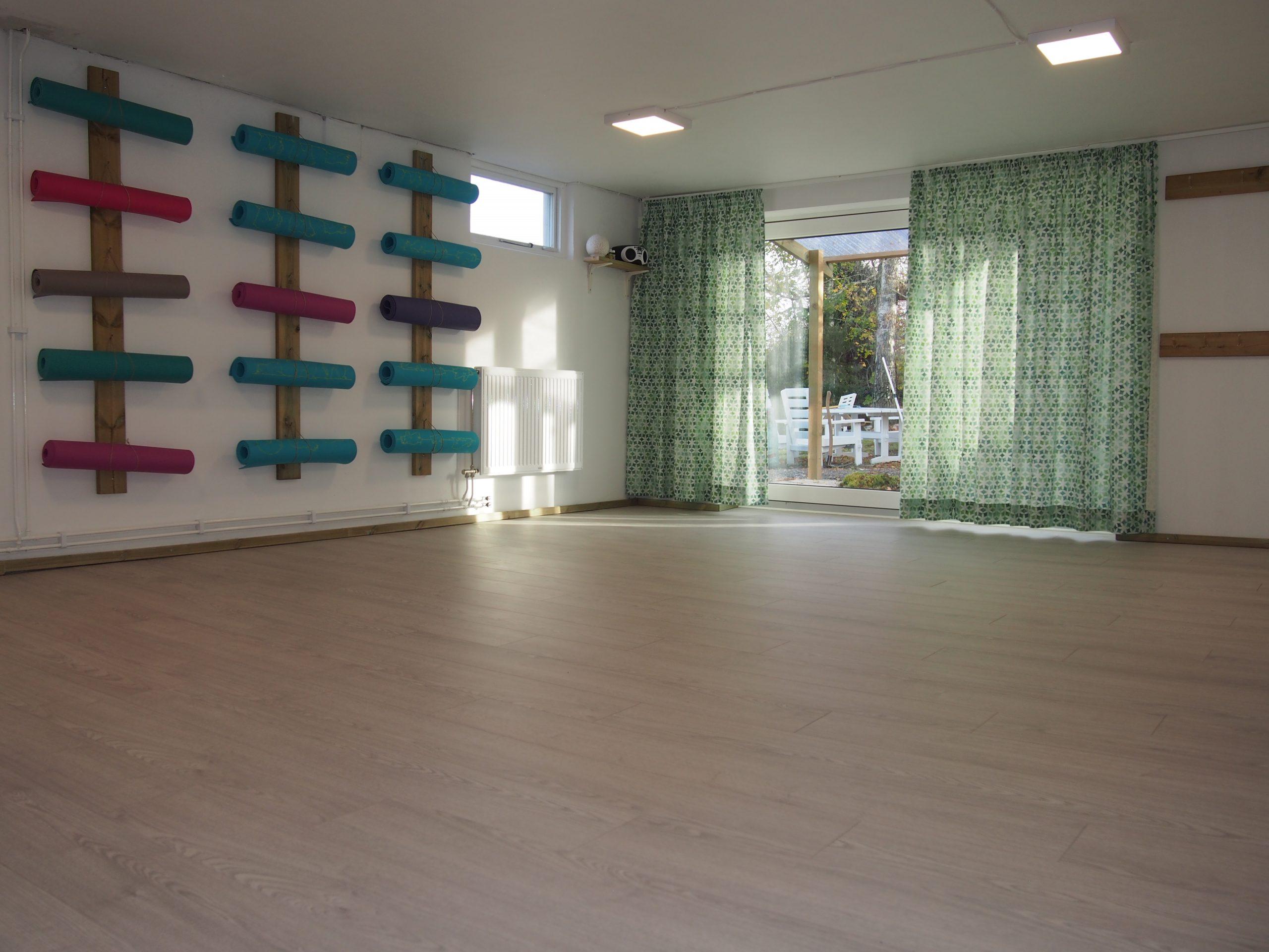 Log In Yoga, Yoga studio in Åkersberga, Yoga studio in Täby, Yoga in Åkersberga, Yoga in Täby, Hatha Yoga in Åkersberga, Yoga i Rydbo, Yoga i Arninge, Yoga studio with english classes in stockolm and surroundings,
